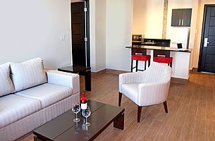 Double Suite with living room & Kitchenette - Principe Hotel & Suites, Panama